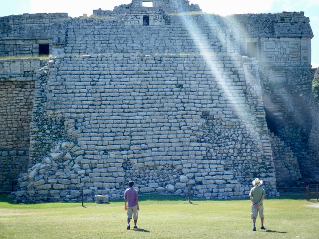 Chichen-Itza Valladolid archaeological tour