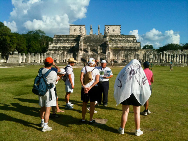 Chichen-Itza mayan sciences expert